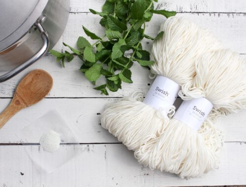 How to naturally dye yarn with mint.